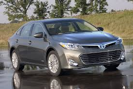 2014 toyota avalon xle touring hybrid 2014 toyota avalon hybrid overview cars com