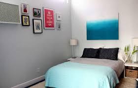 bedrooms what colors make a small room look bigger paint colors