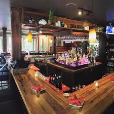 find a restaurant seattle met