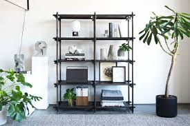 how to style a bookshelf trnk