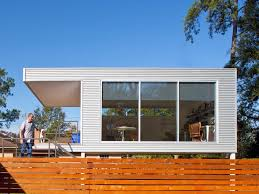 Mid Century Modern Prefab Addition Hgtv Metal Home Designs