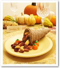 thanksgiving crafts to make mini cornucopia