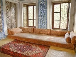 bett im wohnzimmer innenarchitektur schönes kleines wohnzimmer bett bett im