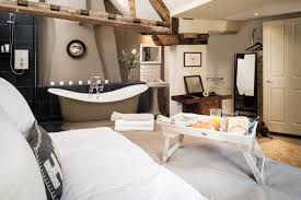 coombe self catering castle coombe burdock fox cottage home