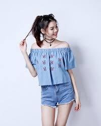 light blue off the shoulder top the off shoulder trend hutzfashion