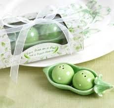 wedding favors unlimited two peas in a pod salt pepper shakers