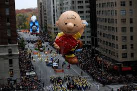 millions attend macy s thanksgiving parade aol news