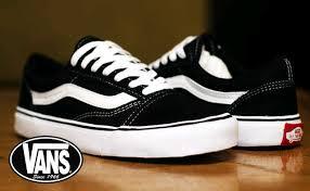 Sepatu Vans vans black white andri afriansyah