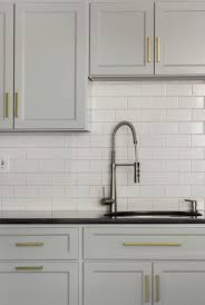 how to choose hardware for kitchen cabinets choosing hardware for white kitchen cabinets how to choose kitchen