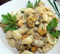 cuisiner des bulots bulots aux coquillages pâtes au beurre d ail amafacon