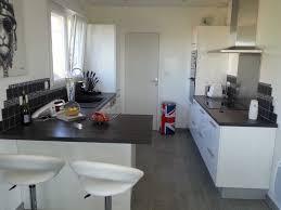 cuisine avec plan de travail en bois cuisine blanche plan de travail noir galerie avec charmant cuisine