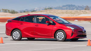 2016 toyota prius review consumer reports
