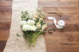simple wedding bouquets 6 money saving hacks for your wedding flowers scivee