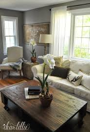 Sofas For Small Living Room by Best 25 Christmas Living Rooms Ideas On Pinterest Ornaments For