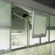 porte en verre pour meuble de cuisine faire une cuisine ouverte pourquoi cest une mauvaise idée best