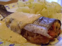 cuisiner truite au four truite farcie en papillote et sa sauce crèmeuse la cuisine ma