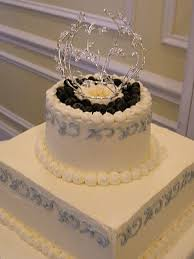wedding cake jewelry 31 best bling wedding cakes images on bling wedding