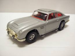 old aston martin james bond corgi james bond aston martin db5 c270