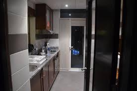hotel avec cuisine dé de la cuisine avec accès au balcon picture of