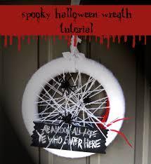 make a spooky wreath honeybear lane