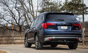 Most Interior Space Suv 2017 Honda Pilot In Depth Model Review Car And Driver