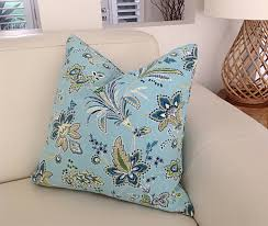 Hamptons Floral Designer Pillows Blue And White Floral