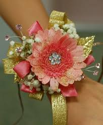 Prom Wristlets Corsages Prairie Flowers Spring Green Wi