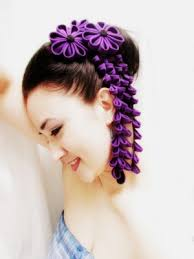 kanzashi hair ornaments use kanzashi hair ornaments as a gorgeous veil alternative hair
