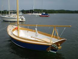beginner plywood daysailer for 4 adults