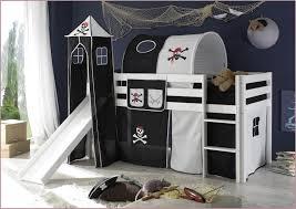 chambre bébé pin massif lit enfant avec toboggan 690859 chambre enfant pirate chambre bebe