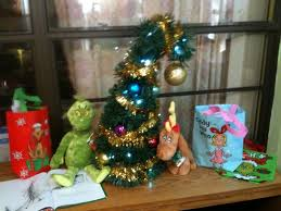 worlds easiest and coolest grinchmas tree 5 steps with pictures