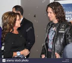 bray outdoor ads sarah palin with lead vocalist dave bray from madison rising who