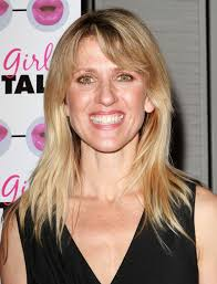 hairstyle of amy carlson andrea bendewald hairstyle makeup dresses shoes and perfume
