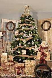 Outdoor Tree Ornaments by 20 Rustic Christmas Tree Decor For Your Home 4462
