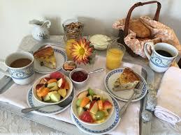 deluxe breakfast in bed package the homestead inn