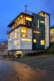 modern eastlake townhome positioned on the doorstep to downtown