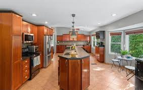kitchen cabinets color change suggestion on kitchen cabinet color change