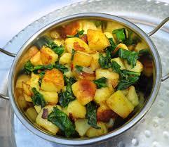 cuisiner des epinards frais épicé nne pommes de terre sautées aux épinards beurre au laurier frais