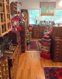 i need to look for these antiques so many things to keep out of