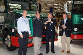 brand new volvo truck volvo trucks presents 500 000th volvo assembled in united states