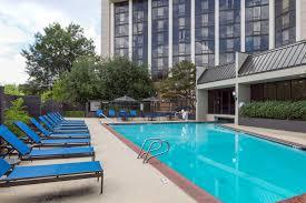 Hotels Near Six Flags Atlanta Ga Hotels In Sandy Springs Ga Wyndham Atlanta Galleria Cobb