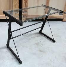 petit bureau en verre petit bureau en acier laque noir et plateau en verre hauteur avec