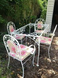 Rod Iron Patio Table And Chairs White Wrought Iron Garden Set Wrought Iron Patio Set Ornate