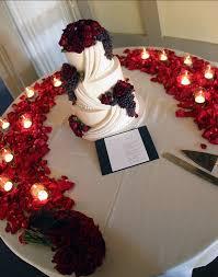red roses wedding reception the weddinglinks com wedding coach