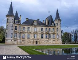 learn about chateau pichon baron gironde château pichon longueville stock photos