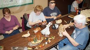 wood carvers woodcarvers find a new home at heartland forest niagarathisweek