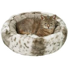 great deals on pet beds at zooplus trixie plush cat bed leika