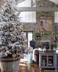 pictures of homes decorated for christmas 40 cozy and cheerful homes decorated for a snowy christmas cozy