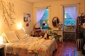 How To Make Your Bedroom Cozy by How To Make More Space In A Small Bedroom Amazing Deluxe Home Design