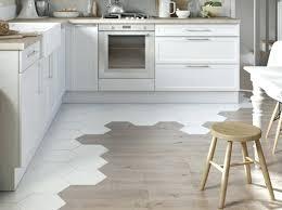 parquet pour cuisine leroy merlin parquet pour cuisine sol cuisine carrelage blanc marron parquet pour